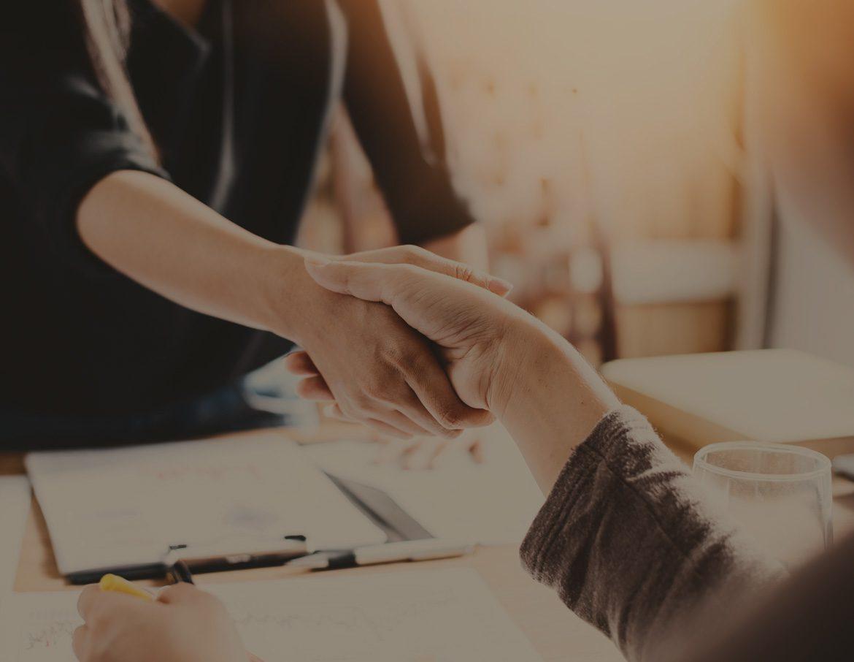 ReturnersWork - Partners shaking hands
